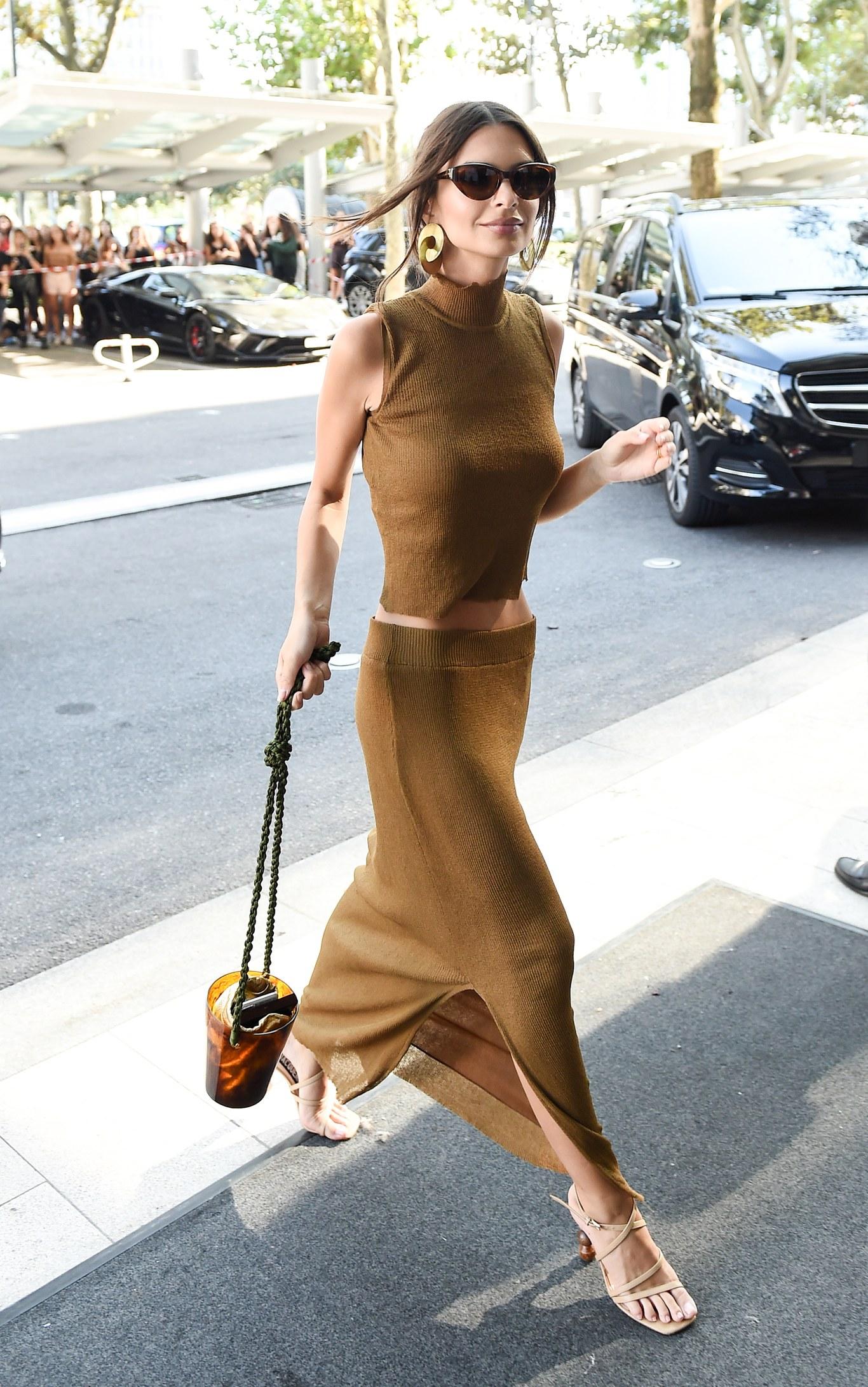 Moella con costume da sirena veste la borsa Zoe Print di Braccialini