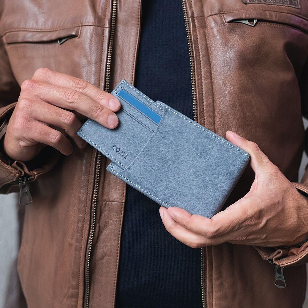 Portafoglio uomo con portacarte estraibile in bufalo di Gianfranco Corti, color grigio-azzurro