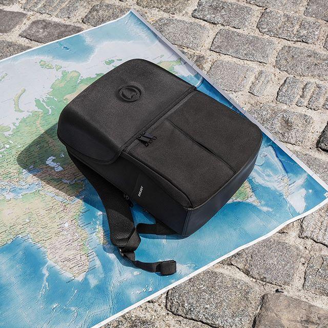 Zaino backpack Laumiere a 2 scomparti e protezione pc di Delsey Paris, modello nero
